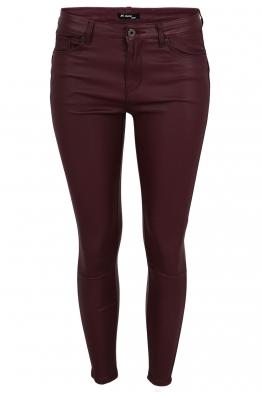 Дамски панталон с кожен ефект MS 1665-82 бордо