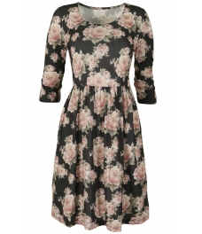 Къса рокля PINK ROSES